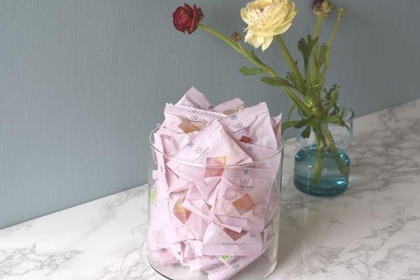 Sweetkynd rosé winegummies Flowpacks